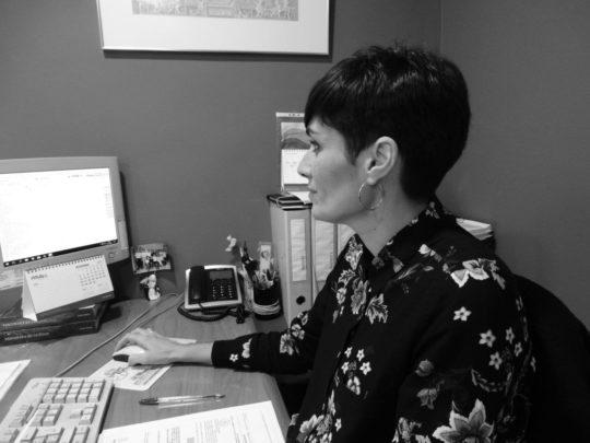 Olga Monreal– Tècnica Administració Comunitats